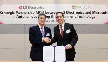 """LG ir """"Microsoft"""" bendradarbiavimas paspartins transporto revoliuciją"""