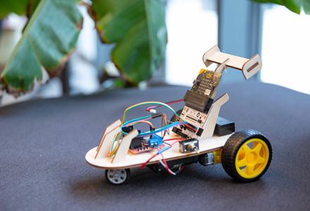 Programuoti išmokę vaikai sieks prikelti žaislus antram gyvenimui