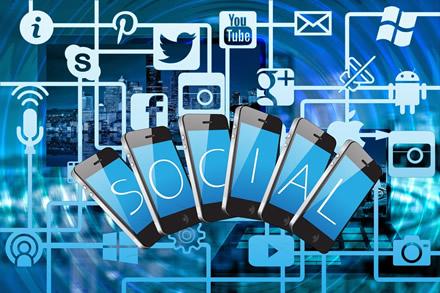 Socialiniai tinklai: didėja ir nepasitikėjimas, ir pelnas