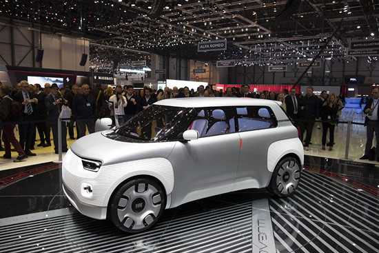 """Elektrinis """"Fiat Centoventi"""" koncepcinis modelis"""