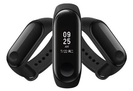 """""""Mi Band 3"""" sėkmė, neįtikėtinas """"Huawei"""" produkcijos pardavimų augimas, ir kitos nešiojamų įrenginių naujienos"""