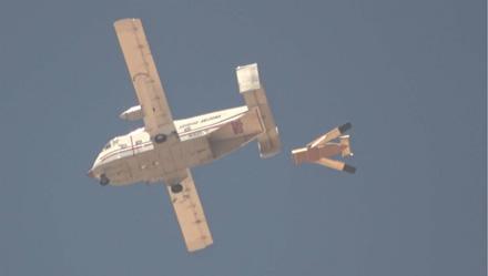 LG-1K paleidžiamas iš transportinio lėktuvo © Gamintojo nuotrauka