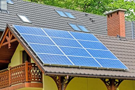 Nuo idėjos iki elektros: 7 žingsnių planas, kaip įsirengti saulės jėgainę