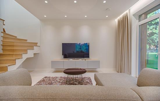 Kiek ir kokių šviestuvų reikės svetainės apšvietimui?