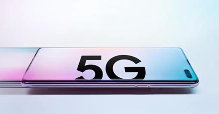 """5G ryšį palaikančio """"Galaxy S10"""" vartotojai skundžiasi ryšio problemomis, kai 5G tinklas keičiasi į LTE tinklą"""
