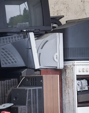 Jungtinės Tautos elektronikos atliekų augimą prilygino cunamiui