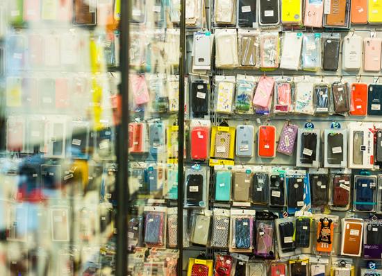 Alternatyvos didiesiems mobiliųjų telefonų prekiniams ženklams: kokios jos?