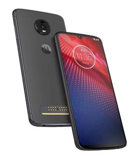 """""""Motorola"""" pristatė naują modulinį telefoną """"Moto Z4"""""""