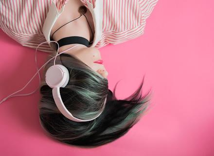 Geros ausinės išmaniajam telefonui: stilingos, galingos ar belaidės?