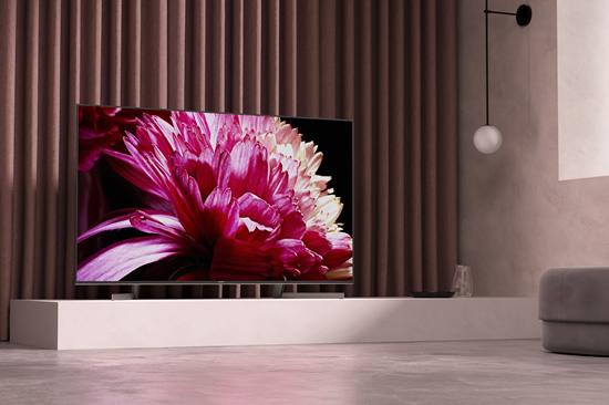 """""""Sony"""" tyrimas: kas antras europietis norėtų didesnio televizoriaus"""