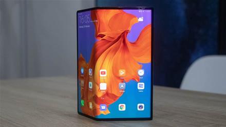 """""""Huawei Mate X"""" su 5G ryšiu pasiekia įspūdingo duomenų parsiuntimo greitį"""