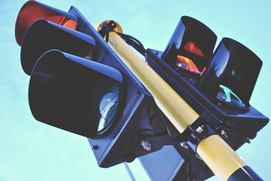 Lietuvoje bus keičiamas šviesoforų reguliavimas – žalias signalas nemirksės