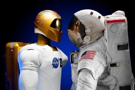 Specialistai paaiškino, kodėl kosminėse kelionėse privalo dalyvauti ir žmonės