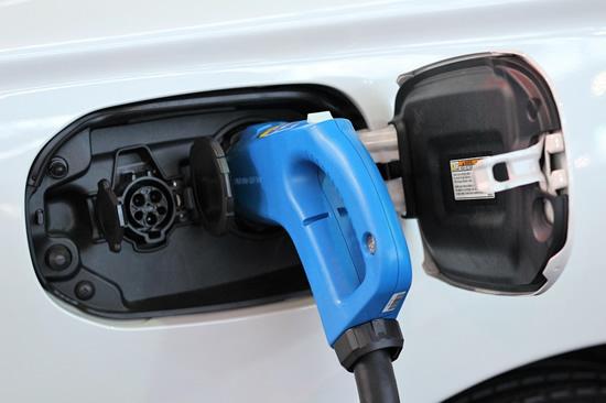 """LOGIN 2019 festivalis: """"Išmanios energetikos"""" hakatoną laimėjo neįprastas elektromobilių panaudojimas"""