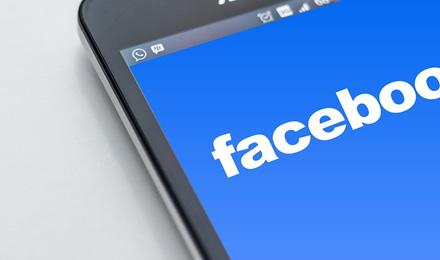 """""""Facebook"""" išleidžia naują programėlę, mokančią pinigus už jūsų duomenis"""