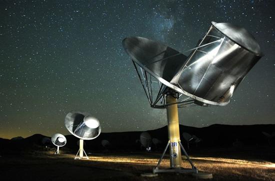Seth Shostak/SETI nuotr. / SETI instituto radijo teleskopai.