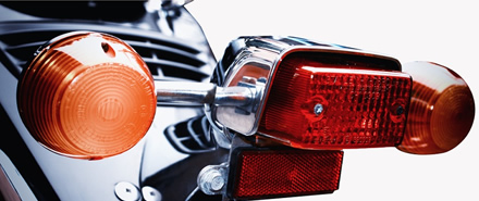 Dėmesio: gatvėse – nematomi motociklininkai ir jų daugėja