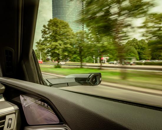 """""""Audi e-tron"""" su virtualiais išoriniais veidrodėliais – jau Lietuvos gatvėse"""