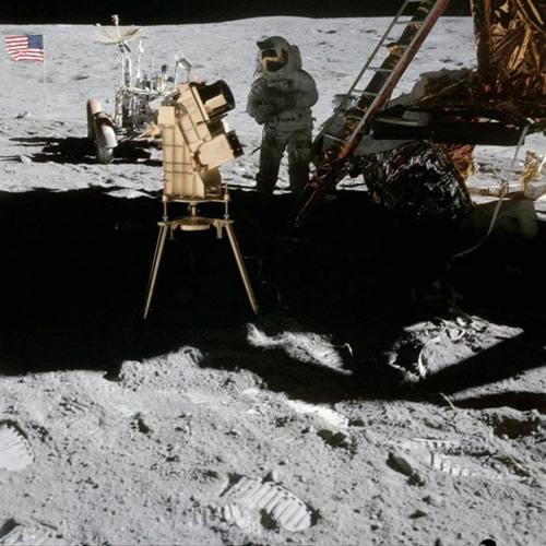 Kodėl mokslininkai nestato teleskopų Mėnulyje?