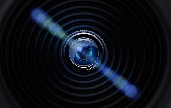 Fizikas įveikė 2000 metų senumo mįslę: dabar fotoaparatų lęšiai pigs ir gerės