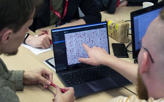 """Tarptautinės gyvybės mokslų programavimo varžybos """"BioHackathon'19: Lab App"""" © Vilniaus Universitetas"""