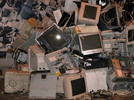 EK: elektronikos atliekų srautas ES iki 2020-ųjų viršys 12 mln. tonų