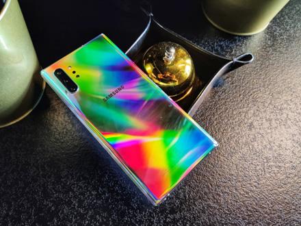 """Naujasis """"Samsung"""" flagmanas tapo geriausiai fotografuojančiu telefonu rinkoje"""