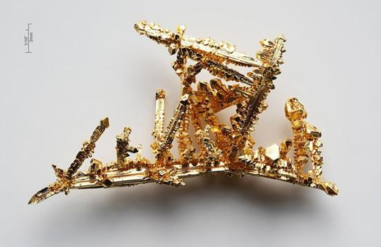 Gražuolis aukso kristalas © Alchemist-hp (CC BY-SA 3.0) | commons.wikimedia.org