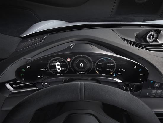 """Pristatytas """"Porsche Taycan"""" interjeras: tradicijos perkeltos į skaitmeninį amžių"""