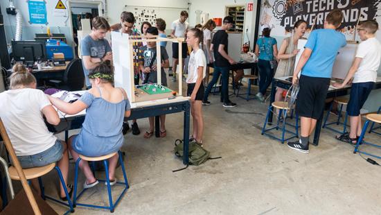 Kaip auginti jaunuosius išradėjus: iššūkis mokykloms, kurį padės įveikti nemokama mokymo priemonė ir dalinami 3D spausdintuvai!