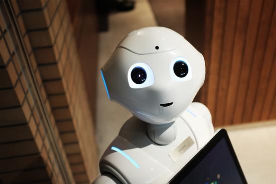 Tarptautinėje IT konferencijoje ICIST 2019 – apie mažėjantį atotrūkį tarp žmogaus ir roboto