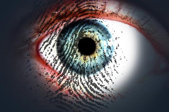 Lietuviai prie bankų programėlių vis drąsiau jungiasi skanuodami piršto atspaudus, veido atpažinimą – išbando