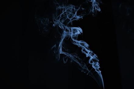 Mokslininkai pirmą kartą dėl žmogaus mirties apkaltino elektronines cigaretes ir nikotino garintuvus