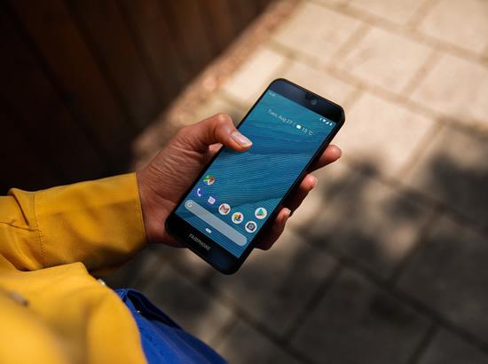 """""""Fairphone 3"""" – vienintelis pasaulyje etiškai pagamintas išmanusis"""