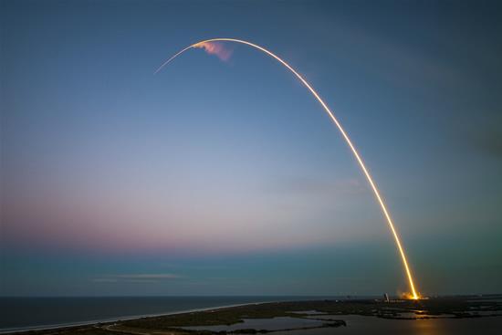 Trys startuoliai, besiruošiantys nutupdyti zondus Mėnulyje