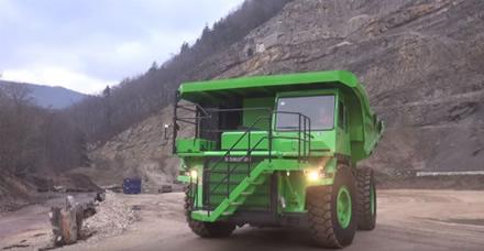 """Stopkadras / Šveicarai sukūrė didžiausią pasaulyje elektrinį sunkvežimį """"eDumper"""""""