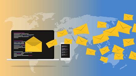 """Ką galima išspausti iš internetinės """"iCloud Mail"""" aplikacijos"""