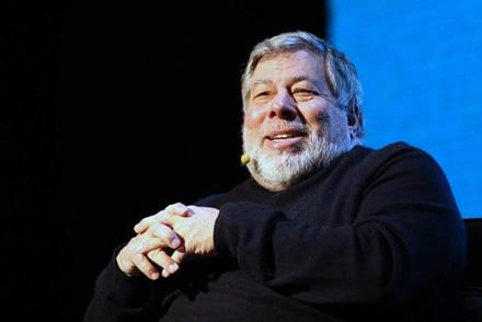 """Vienas iš """"Apple"""" įkūrėjų Steve Wozniak pripažino, kad """"Apple Watch"""" yra jo mėgstamiausia technologija"""