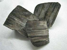 Ličio metalas gali būti pavojingas. © Dnn87 (CC BY 3.0) | commons.wikimedia.org
