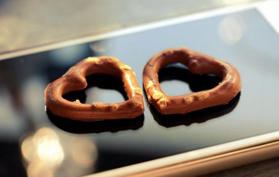 Myli, nemyli, myli, nemyli. Pamirškime žiedlapius – dirbtinis intelektas skaito žinutes ir pateikia verdiktą