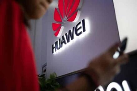 """Nepaisant sunkumų, """"Huawei"""" pardavimai pasaulyje vis dar auga"""