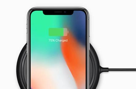 """Pranešama, kad po """"iOS 13.1"""" atnaujinimo, naujų """"iPhone"""" modelių belaidžio krovimo greitis sumažėjo nuo 7.5 W iki 5 W"""