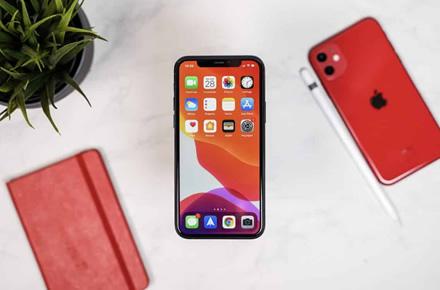 """""""iPhone 11"""" parduodamas geriau nei tikėtasi, """"Apple"""" didina gamybą"""