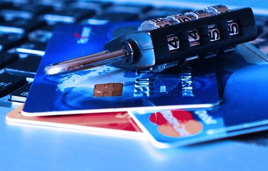 Aušta nauja era: bankiniai atsiskaitymai vyks kitaip