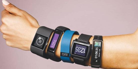 Išmanaus laikrodžio, išmanios apyrankės ir kt. nešiojamų įrenginių skirtumai