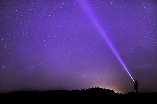 NASA inžinierius sugalvojo kosminį variklį, kuris gali pasiekti 99 proc. šviesos greičio
