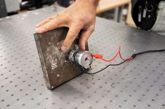 KTU mokslininkai sukūrė naują precizinio šlifavimo technologiją