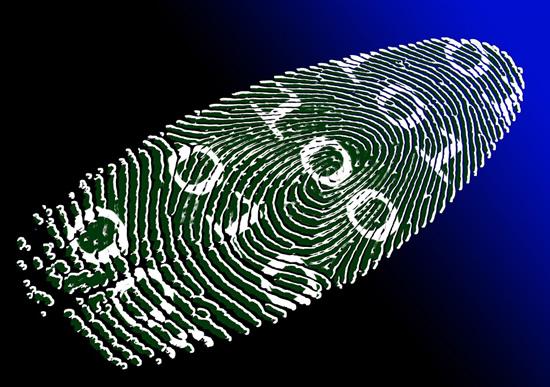 Naujų technologijų era: piršto atspaudu ar veidu atrakinami išmanieji telefonai – kiek tai saugu