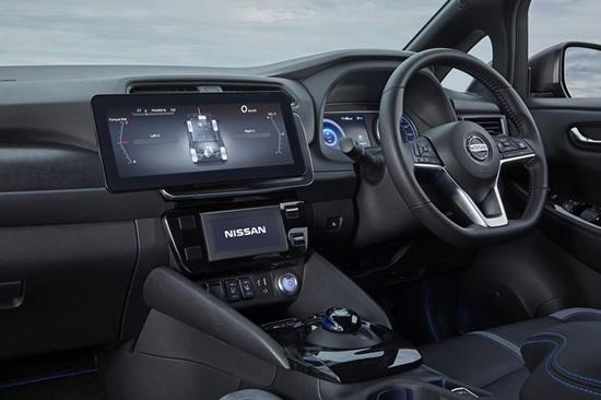 """""""Nissan Leaf e+"""" viduje bus papildomas ekranas © Gamintojo nuotrauka"""
