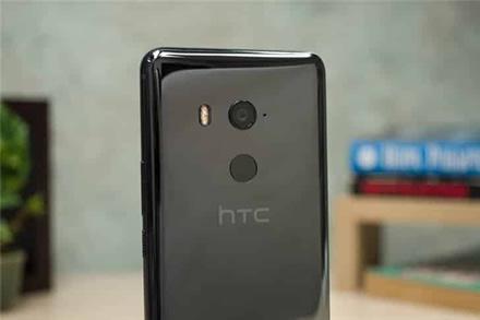 Kažkada itin galingai kompanijai HTC artėja paskutinioji? Pajamos vos per mėnesį krito beveik dvigubai